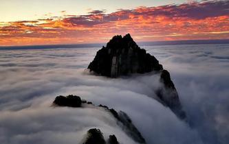 黃山雲海瀑布醉遊人