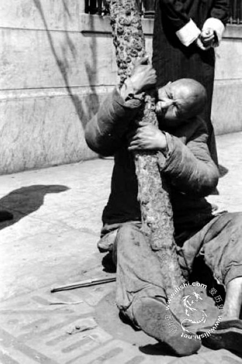 刊记者白修德在河南灾区实地采访时拍摄的照片-1942年大饥荒的真