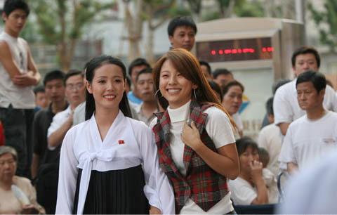朝鲜演员能成为韩国的商业广告模特这还是第一次.特别是在朝鲜这个