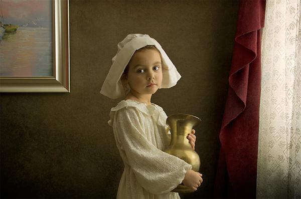 18世纪油画风格的儿童人像艺术摄影图片