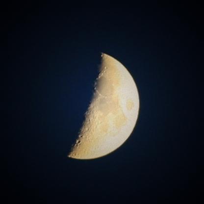 如何拍摄月亮