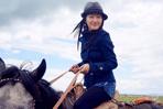 楊鈺瑩穿黑絲熱褲騎馬照