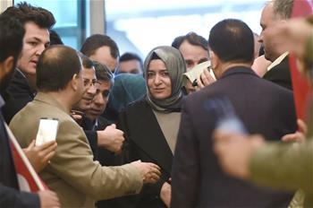 土耳其部长在荷兰被拦截后离境