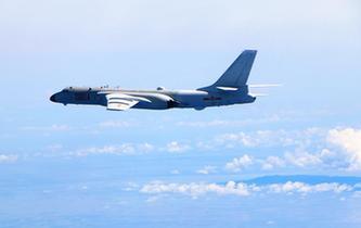 中国空军常态化远海远洋训练检验海上实战能力