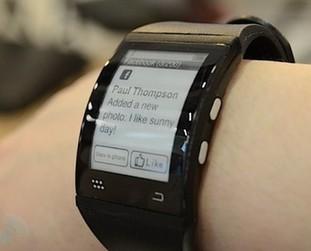 彎曲屏幕可連智能機 E Ink智能手表試玩
