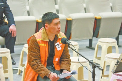 淮陽李佰紅涉黑團夥45人在許昌受審