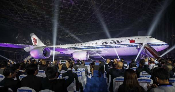 中国首架新一代波音飞机747-8正式入列国航机队