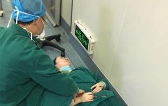 麻醉師連續工作 元宵節累倒在手術室旁