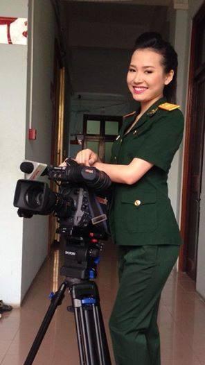 越南美丽女兵不一样的风采:Hold不住的制服诱惑[高清]