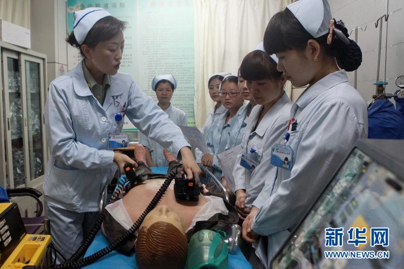 这个医院急诊科护士长陈莉对前来参加学习培训的护士