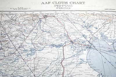 最北侧为北京. 逃生地图: 二战中美国和英国一共制作了大约350