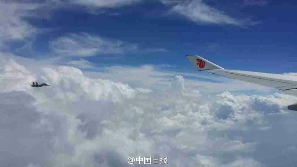 些国家战机曾为中国领导人专机护航图片