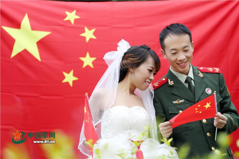 军事主题婚纱_部队军事训练主题板报