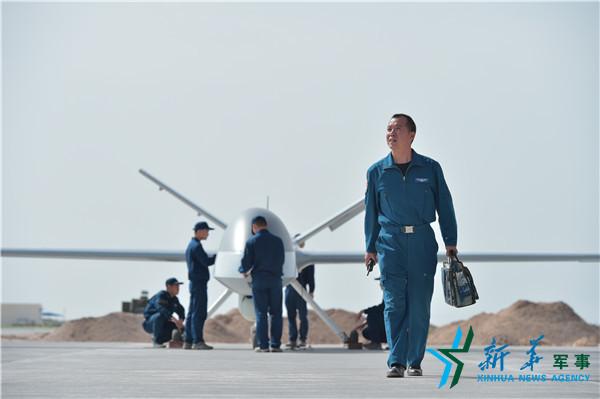 空军飞行员48岁改飞察打一体无人机:鬼知道我经历了什么