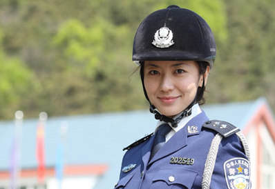 徐才厚看望八一电影制片厂官兵 - 新华军事 - 新