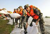 虎嘯三江戰洪魔——沈陽軍區部隊東北地區抗洪救災記事