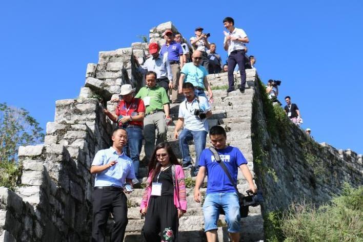 海外華文媒體代表參訪古城福泉