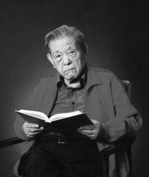 桓武1935年毕业于清华大学物理系.1940年获英国爱丁堡大学哲学博