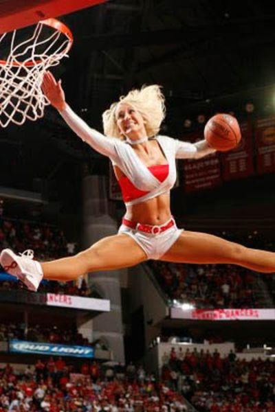 NBA拉拉队美女惊艳大灌篮图片