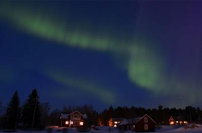 攝影師拍攝瑞典壯美夢幻極光
