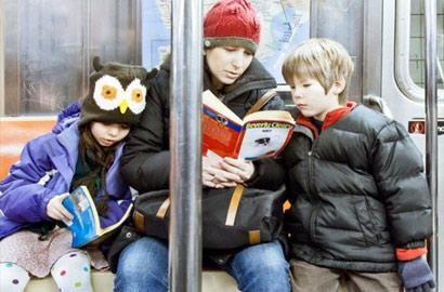 看美國人坐地鐵時在幹什麼?