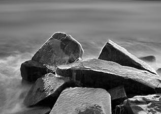 段岳衡的《黑白視界》