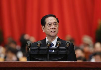 韓啟德向大會報告政協十二屆一次會議以來的提案工作情況