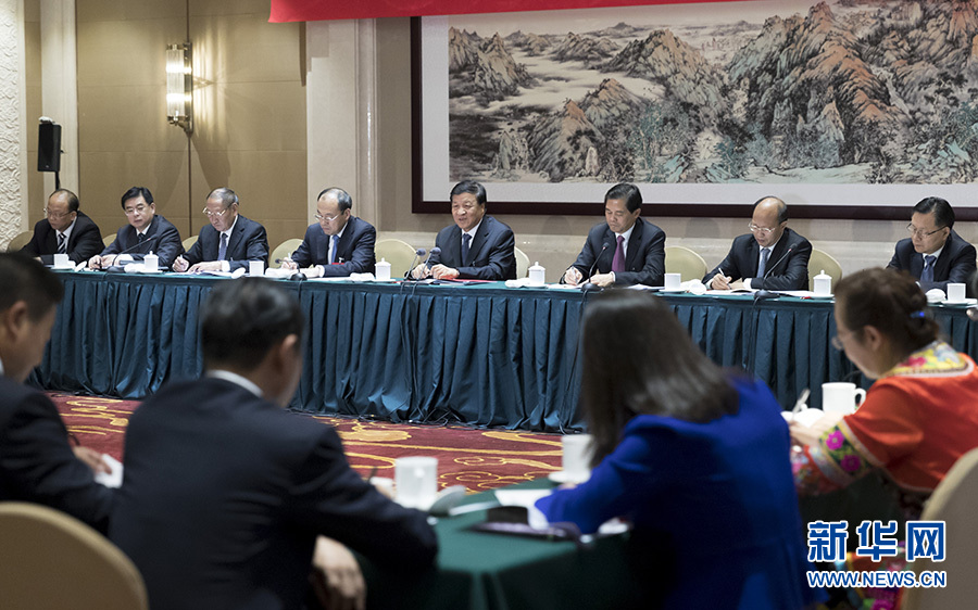 刘云山参加十九大云南省代表团讨论