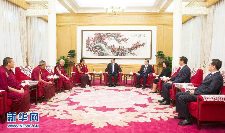 6月10日,中共中央总书记、国家主席、中央军委主席习近平在北京中南海接受班禅额尔德尼·确吉杰布的拜见。 新华社记者 兰红光摄