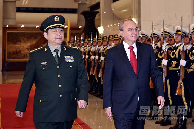常万全与马其顿国防部长会谈