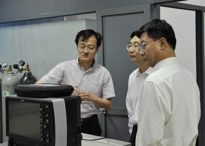 杜江峰:量子计算的引领者