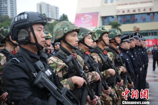 广西南宁启动新巡逻防控体系 4000多名警力就近指派