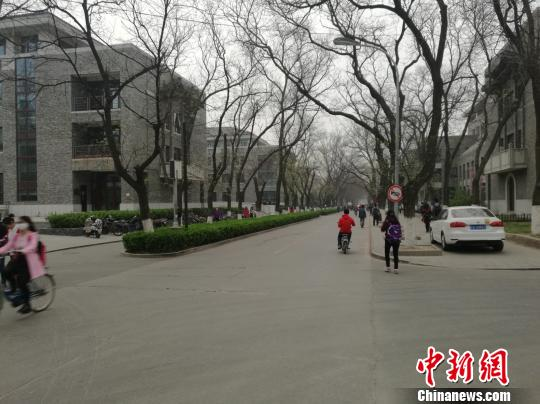 北京大学校园内 张尼 摄