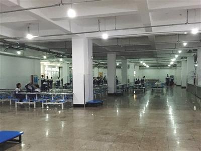 河北一中学学生集体中毒:已非首次 食堂仍在运营