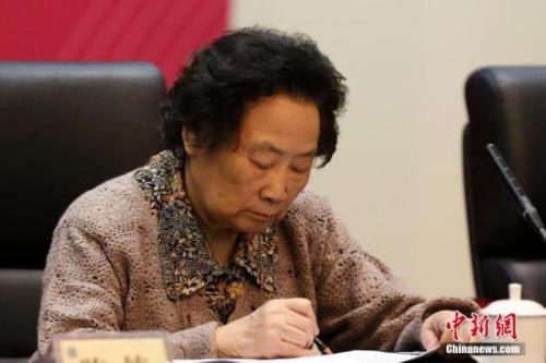 屠呦呦。中新社记者 韩海丹 摄