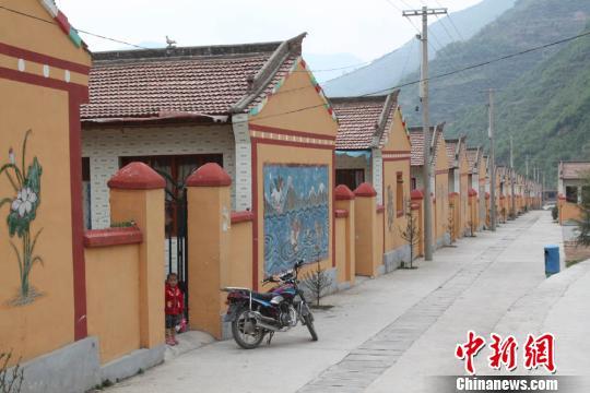 国土部回应系列热点:重申城市人不得买农村宅基地