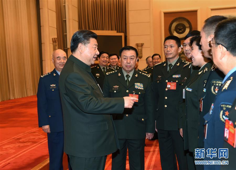 (两会)习近平出席解放军代表团全体会议