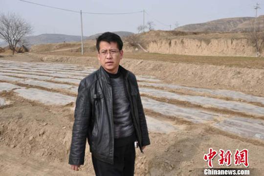 甘肃42岁乡镇干部殉职:生前留30多本工作笔记