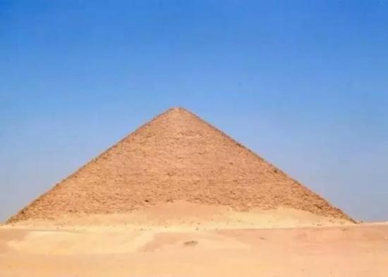 埃及弯曲金字塔