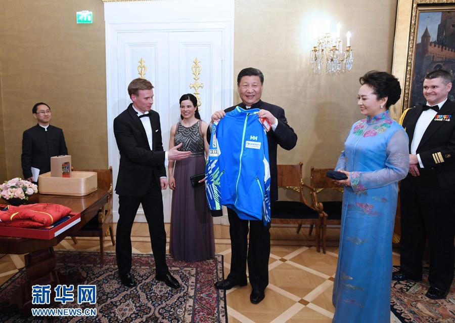 国家主席习近平同芬兰总统尼尼斯托举行会谈 - 小花新新 -