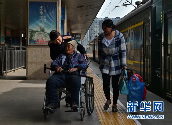 新华时评:每一位劳动者都值得尊重