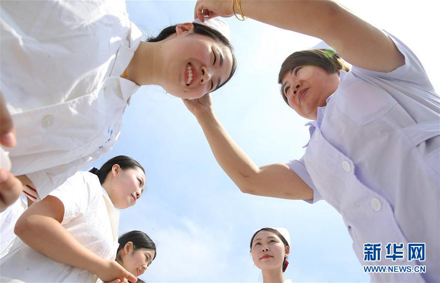 湖南衡阳:母女传承迎接护士节
