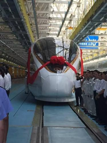"""中国高铁最新版""""复兴号""""动车组今将首发亮相"""