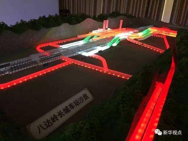 (图:红色管道为求生通道)