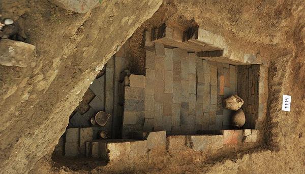 成都出土75座古墓 年代从战国到唐宋高清图片