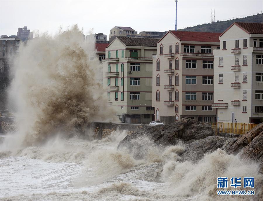 南方各省区市严防双台风 转移安置近30万群众