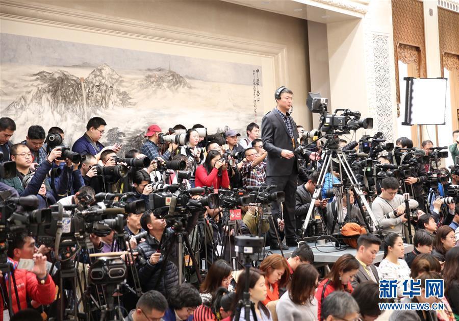 (两会)(6)全国政协十二届五次会议举行新闻发布会