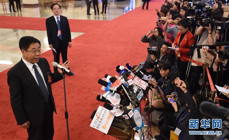 (两会·政协开幕)(1)采访部长
