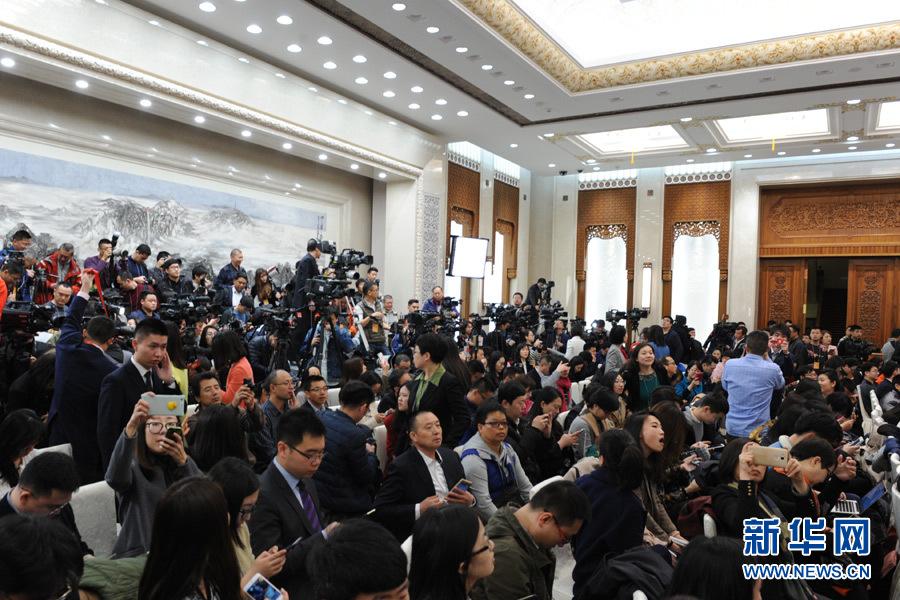傅莹:中美关系合作是主流