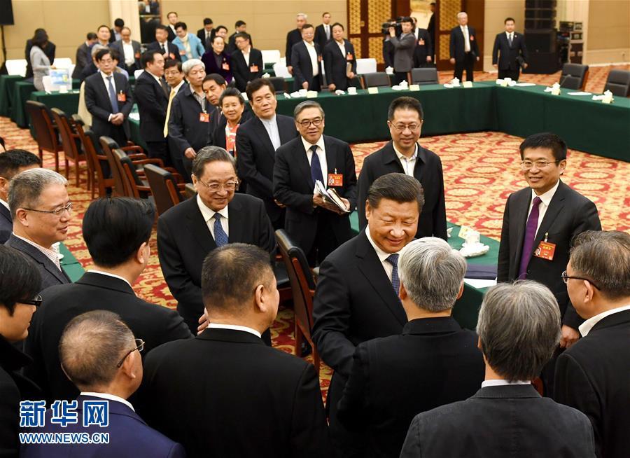 (两会·XHDW)(2)习近平看望参加政协会议的民进农工党九三学社委员